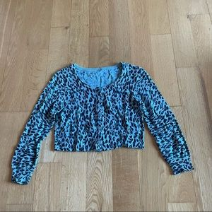 3/$30 blue cheetah print cropped button cardigan S